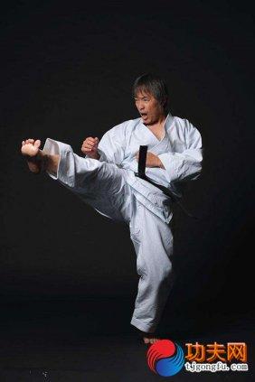 空手道腿法教学